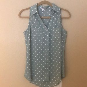 Never work green with whit polka dot work blouse